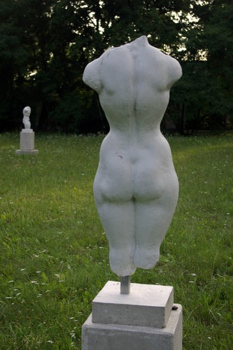 KuhleW_wk10_grosser-weiblicher-torso-hinten